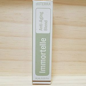 Immortelle anti-aging essential oil blend